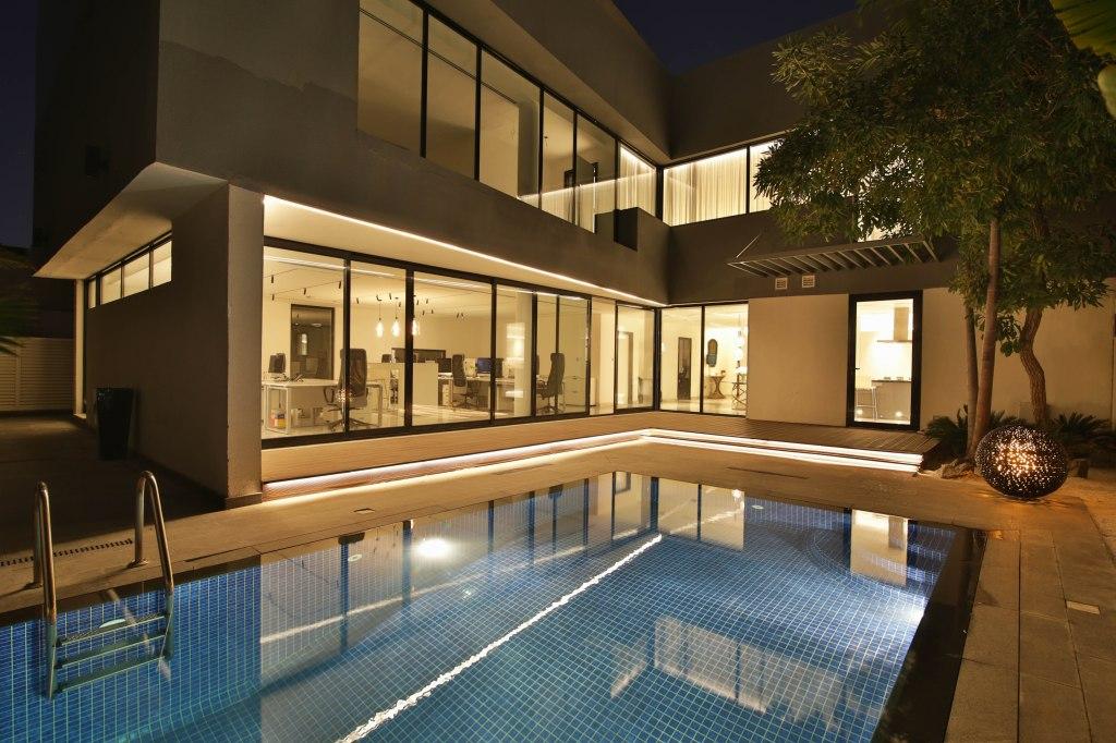 John Cullen Lighting Dubai Showroom, The Lighting Blog, British Design House,